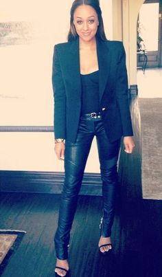 Tia Mowry-Hardrict in Balmain and Stuart Weitzman All Black Fashion, All Black Outfit, Black Outfits, Rock Chic, Tia And Tamera Mowry, Grunge, Black Actresses, Rocker, Winter Looks