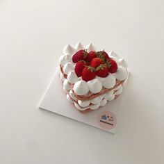 Sweet Cakes, Cute Cakes, Pretty Cakes, Cute Desserts, Dessert Recipes, Good Food, Yummy Food, Think Food, Cafe Food
