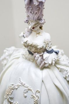 Marie Antoinette Masquerade Cake (2nd of two pins) ~ close up