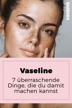 Vaseline: Sieben überraschende Dinge, die du damit machen kannst Vaseline: Seven surprising things you can do with it. Yes, now everyone is thinking about sex again. At least not in the first place. Vaseline, Curly Hair Braids, Curly Hair Tips, Beauty Spa, Beauty Hacks, Hair Beauty, Natural Beauty, Beauty Tips For Face, Beauty Make Up