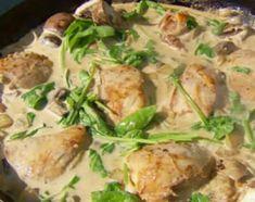Pollo a la crema con espinaca al disco