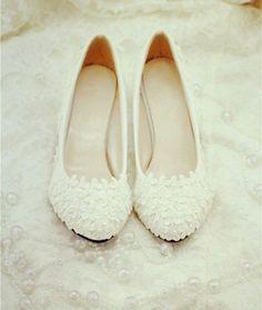 Handmade Pearl White lace wedding shoes door weddingdressoverture, $69,99