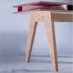 Insekt Desk - Pink - Bb+++ - Tables | MyLittleRoom