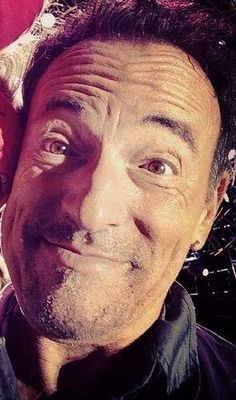 Bruce Springsteen - a cute, funny selfie from Dallas, March Madness, Music Icon, Art Music, Elvis Presley, The Boss Bruce, Bruce Springsteen The Boss, E Street Band, Born To Run, Another Man, Celebrity Crush