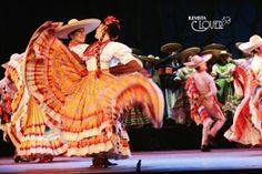Ballet Folclórico de la U de G. Foto: Verónica Balderas  www.revistaclover.com