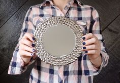 Try this IKEA mirror hack - transform an IKEA Heat Trivet into a glamorous mirror for your wall! Ikea Mirror Hack, Ikea Hack, Hacks Diy, Diy Frame, Diy And Crafts, Reuse, Wall Art, Framed Art, Cork