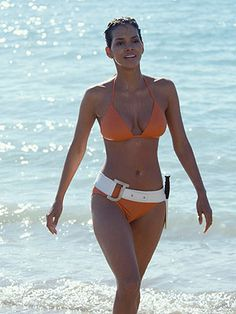 From Ursula Andress in Dr No, to Monica Bellucci and Léa Seydoux in upcoming adventure Spectre, the role of the Bond girls has been ever evolving. Whether love interest, ally or villain, here is a look back at the most glamorous and iconic Bond girls Halle Berry James Bond, The Bikini, Sexy Bikini, Bond Girls, Halle Berry Sexy, Halle Berry Bikini, Halle Berry Style, Rihanna, Bathing Suits