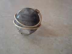 Wire ring with semiprecious stone. Wire Jewelry Making, Wire Rings, Silver Rings, Stone, Stones, Rocks, Wire Wrapped Rings, Rock