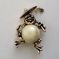 5c9a91ff574 Amazing Vintage Gold Tone Faux Pearl Jelly Belly by CircaTrends Jelly  Belly, Brooch Pin,