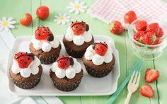 Jahodové cupcakes ale berušky » Pečení je radost