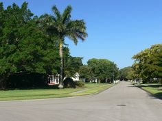 Daniel Wayne Homes is the proud developer of the Coconut Creek subdivision in Fort Myers, Florida. A neighborhood build using Old Florida style architecture exclusively.