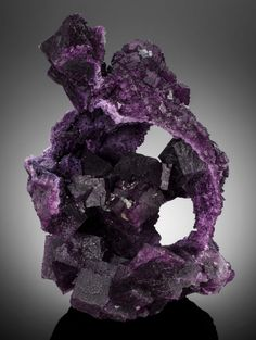 Fluorite (after Barite dissolution) - Hill-Ledford Mine, Rosiclare/Sub-Rosiclare Level, Ozark-Mahoning Co., Cave-in-Rock Dist., Illinois-Kentucky Fluorspar Dist., Hardin Co., Illinois