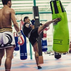 "Muay Thai ""Saenchai teaching Prajanchay at PKSaenchaimuaythaigym! It's amazing to see all the best Muay Thai fighters training under the same roof! What are you…"""