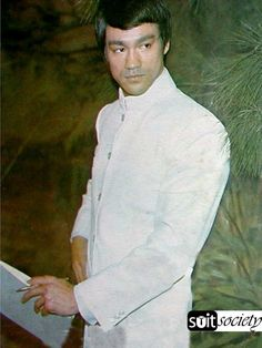 Bruce Lee – 12 Best Pictures | POW! Martial Arts & Fitness