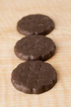 Homemade Thin Mints....Anyone else wish they could make their own thin mints? Here's the recipe!
