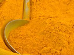 Ever wondered what gives curries their brilliant yellow color? It's turmeric!    This spice has been consumed for thousands of years and has been used medicinally to treat all sorts of health issues.  The main therapeutic properties are found in a specific component of turmeric called curcumin. It is the part that gives turmeric that striking yellow color.(...)