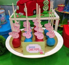 Peppa Pig Car Cake, Cookies And Cake Pops – Best Cakes Collections Peppa Pig Car, Peppa Pig Cookie, Cake Pops Image, Peppa Pig Birthday Decorations, Pig Cookies, 3rd Birthday, Birthday Ideas, Pig Party, Character Cakes