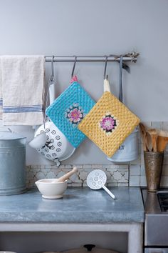 Crochet-Pot-Holders-Crafty-Magazine-Issue-9 via Claireabellemakes blog