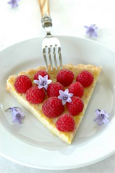 Lemon Buttermilk Raspberry Tart -- Served it without raspberries and it was delicious! Tart and sweet and easy! Just Desserts, Delicious Desserts, Dessert Recipes, Yummy Food, Tasty, Quiche, Mini Appetizers, Raspberry Tarts, Pizza