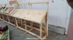 Pallet Vegetables Display Stands
