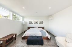 Extensive Contemporary Home with Bright Interior: Comfort Bedroom Wooden Furniture Contemporary Young Family Home