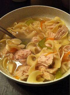 Sopa completa de frango básica - Receitas - GNT