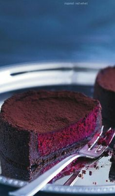 Red velvet cheesecake... Donna Hay Magazine December 2013