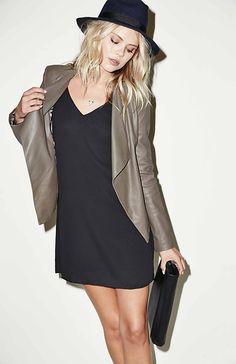 DAILYLOOK Button Sleeve Trapeze Dress in Black XS - XL | DAILYLOOK