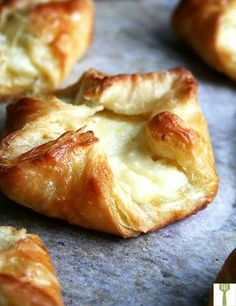 Just-Baked-Cheese-Danish