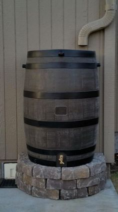 Water From Air, Design Jardin, Water Collection, Rain Collection Barrel, Rainwater Harvesting, Water Storage, Hose Storage, Water Conservation, Outdoor Projects
