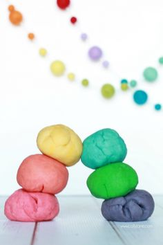 Easy rainbow playdough recipe...only 4 ingredients, just heat and knead then add coloring. Great kids craft, keep kids busy for hours. Click through for an #animaljam review!
