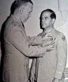 Army Chief of Staff General George C. Marshall awards Frank Capra the Distinguished Service Medal Military Veterans, Military Service, Famous Veterans, Frank Capra, Service Medals, Pearl Harbor Attack, Joining The Army, Celebrities Then And Now, Chief Of Staff