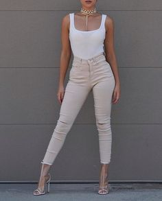 Power pose. @ladyyclarissa is totally werking it in our Stylish Simplicity Slit Jeggings.