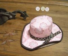 Super cute, cowgirl hat pincushion!!