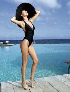 """fashion poses in swimwear""的图片搜索结果 High Fashion Poses, Fashion Model Poses, Fashion Models, Beach Fashion Photography, Photography Ideas, Muse, Swimsuits, Bikinis, Swimwear"