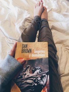 El tiempo es un río, y los libros son barcos. -Dan Brown