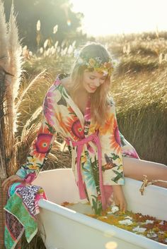 You'll feel like you're bathing in flowers with Desigual's SS16 collection! Need some home inspiration? Why not start on yourself...? ;)