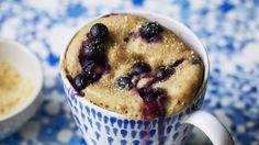 Alond and berry breakfast mug