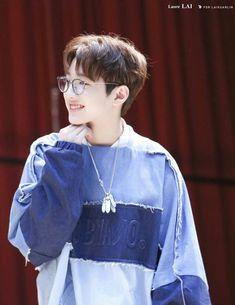 Korean Boys Ulzzang, Cute Korean Boys, Jinyoung, Do Jihan, Bad Boy, First Boyfriend, Guan Lin, Lai Guanlin, Baby Chicks