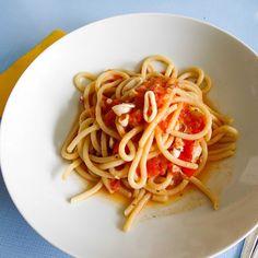 Pici aux calamars Spaghetti, Ethnic Recipes, Food, Calamari, Recipes, Kitchens, Eten, Meals, Noodle