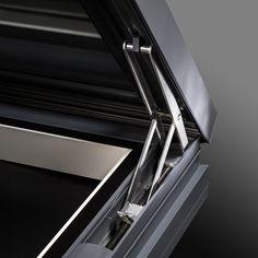 Detail: Opening Mechanism