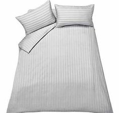 heart of house Bella White Bedding Set - Double Wake up feeling refreshed and ready to face the day with this white double bedding set from our premium Heart of House brand. Made from 100% cotton. it is luxuriously soft. sensuous and cool. The sate http://www.comparestoreprices.co.uk//heart-of-house-bella-white-bedding-set--double.asp