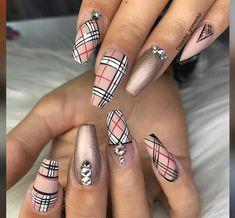 undefined - Gucci Nails - Ideas of Gucci Nails - undefined Cute Acrylic Nails, Cute Nails, Pretty Nails, My Nails, Burberry Nails, Gucci Nails, Nail Swag, Jolie Nail Art, Pedicure Nail Art