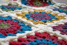 circle-centred-crochet-granny-square-a-pattern