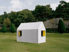 Chameleon Cabins made entirely of paper are very cute little things!
