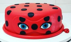 Discover recipes, home ideas, style inspiration and other ideas to try. Unicorne Cake, Diy Cake, Barbie Torte, Cakes Without Fondant, Miraculous Ladybug Party, Ladybug Cakes, Unicorn Cake Topper, Party Cakes, Beautiful Cakes
