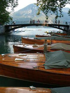 Annecy, France - Canal du Vassé et Pont des Amours