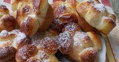 Mennyei Túrós kelt virág muffin recept! Nagyon finom túróval töltött kelt muffin.