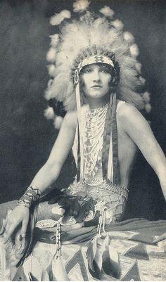 Jean Ackerman in 'Whoopee!' 1928 Ziegfeld Follies Girl | Photo by Alfred Cheney Johnson