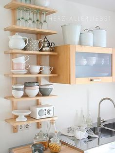 3 tricks for more space: So awesome you can set up a small kitchen - Regale / Shelves - Home Sweet Home New Kitchen, Kitchen Interior, Kitchen Decor, Kitchen Ideas, Kitchen Small, Small Kitchens, Awesome Kitchen, Modern Kitchens, Kitchen Inspiration